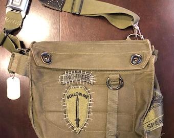 Pathfinder Shoulder Bag