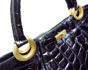 Fiber Street VINTAGE! classic beautiful details and metal  gorgeous handbag