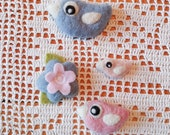 Set of happy wool felt needle felted magnets light blue pink birdie bird birds flower