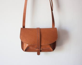 Medium Saddle Bag in Camel // Leather Crossbody Bag / Leather Cross Body Bag / Leather Bag / Camel Leather Bag / Small Leather Purse