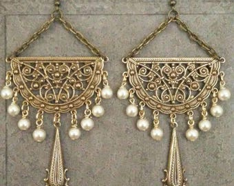 Vintage Faux Pearl Earrings Special Occasion Jewelry Antique Gold Vintage Cream Pearls  By Red Gypsy Jewelry