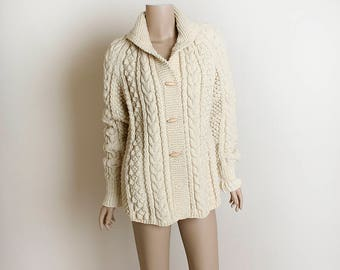 Vintage Chunky Oversize Sweater - Cream Oatmeal Winter Cable Knit Cardigan Style Sweater with Wood Buttons - Large
