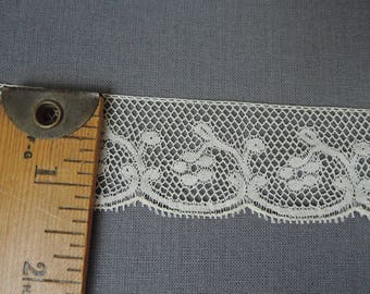 2-3/4 yards Antique Lace Trim, 1-1/4 wide, Ivory Floral Cotton, Edwardian early 1900s