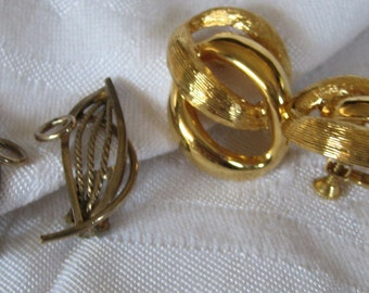 2 Pair of Vintage Metal 12ktGF & Napier Signed Costume Jewelry Clip and Screw Back Earrings