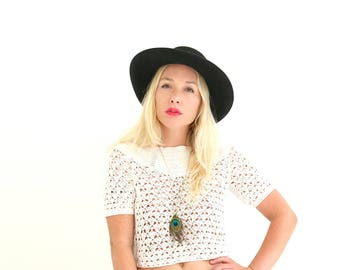 1970s Cream Crochet Crop Top  /// Size Extra Small to Small