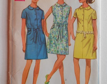 Vintage 60s Summer Front Button Shift Dress with Peter Pan Collar Sewing Pattern Simplicity 8029 Size 10 Bust 32 1/2 UNCUT