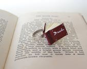 Dracula Anello libro in miniatura con citazione