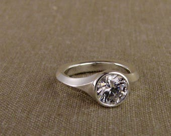 Geometric Low-Profile Solitaire (14K) Made to Order
