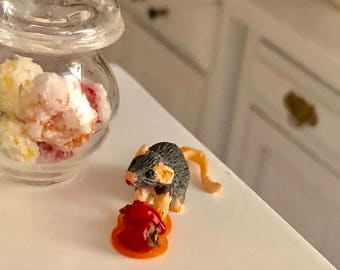 Miniature Mouse Figurine, Mouse With Strawberries #82, Dollhouse Miniatures, 1:12 Scale, Dollhouse Decor, Topper, Crafts, Shelf Sitter