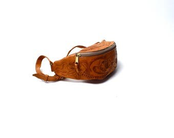 Hand Tooled Leather Fanny Pack / Adjustable Leather Strap