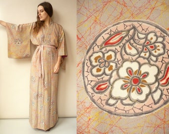 1960's Vintage Pink Japanese Full Length Floral Silk Kimono Robe Duster Jacket