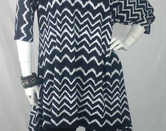 Black and WhIte Chevron stripe Dolman sleeve top O/S