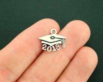 8 Graduation Cap 2018 Charms Antique Silver Tone - SC7343 NEW2
