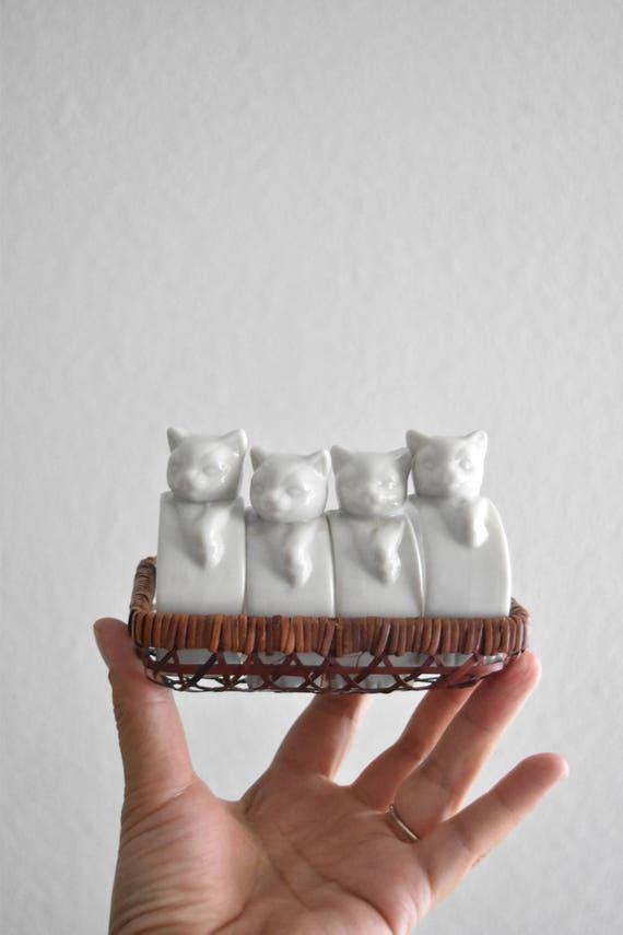 vintage set of 4 porcelain white kitty cat napkin ring holders / gift cat for lover
