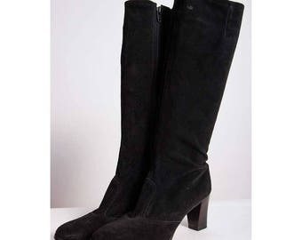 Vintage Black suede knee high boots / 1970s high stacked heeled round toe leather GO GO boots 7-8