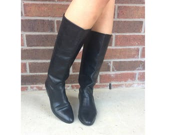 vtg 80s BLACK tall RIDING BOOTS flats 7.5 leather pirate boho knee high preppy equestrian heels shoes