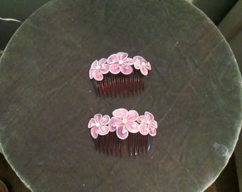 Vintage Lavender Flower Hair Combs Set Of 2 / Large Flower Hair Combs