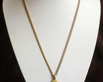 "Vintage Avon Cameo Pendant Necklace 1974 Reversible Gold Tone 24"" Long Chain"