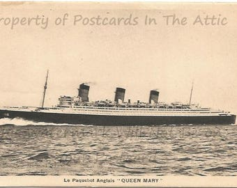 The Historic Ship The Queen Mary Sailing in France La Paquebot Anglais 1945 Vintage Postcard Ephemera Vintage Paper