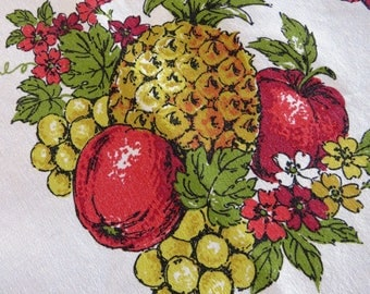 Fruit Theme Tablecloth Pineapples Grapes Apples Pears Retro Table Linens Country Cottage Farmhouse Chic Crafts AS IS