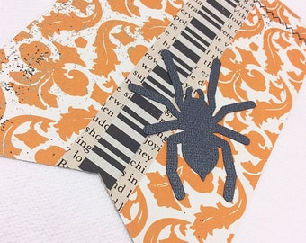 Halloween Spider Flag Garland: Halloween Garland, Halloween Banner, Mantel Decor, Classy Halloween, Halloween Party Decor, Bridal Shower