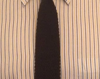 Vintage MENS Private Club brown knit skinny tie with squared ends