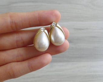 10-25% OFF Code In Shop - Vintage 80's Pearl Teardrop Gold Tone Earrings with Diamante