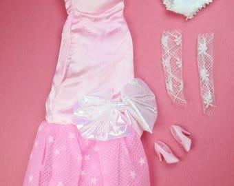 Avon Fashion Doll Kenzie Original Dress Shoes Gloves 1990 Nice Condition