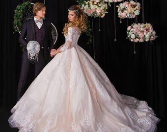 Brooch Bouquet. Silver teardrop crystal Bouquet, Unique Wedding Bridal Bouquet