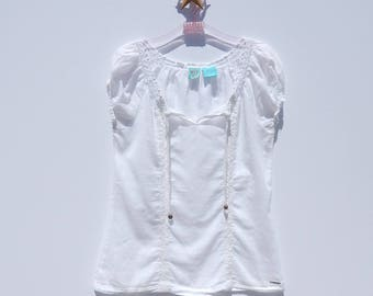 Crisp White Cotton HANG TEN Peasant Top