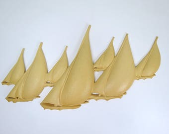 Vintage Plastic Boats Wall Hanging // Large Mid Century Modern Off-White Ivory Sailboats Wall Decor Dated 1977 Nautical Home Decor Coastal