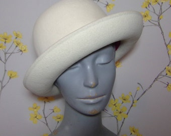 Vintage 60s Winter White Soft Felt Mod Hat White Felt High Crown Ladies Bowler By Bee Jones Fits 21