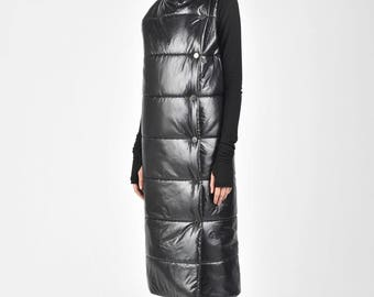 NEW Quilted High Collar Black  Warm  Vest by Aakasha A90149