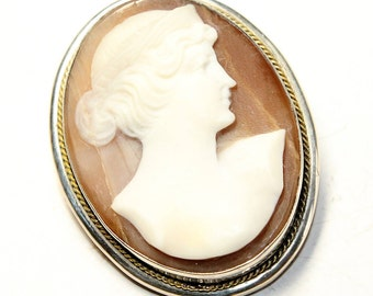Continental Silver Shell Cameo Lady Vintage Brooch/Pendant (c1960s)
