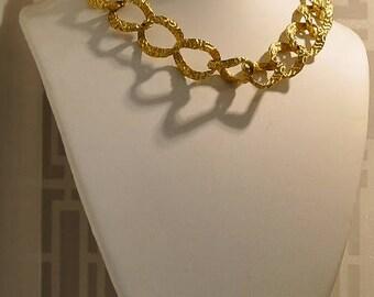vintage golden chaine