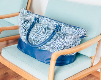 Francis Blue - Weekender Bag in blue leather and fabric - Free shipping - Handmade in Argentina