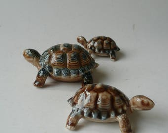 Vintage English WADE Porcelain Turtle Tortoise Trinket Box and 2 smaller Turtle Tortoise figurines