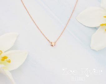 Tiny star choker. Choose rose gold, silver or gold star choker necklace. Rose gold star choker. Elegant and dainty star choker necklace
