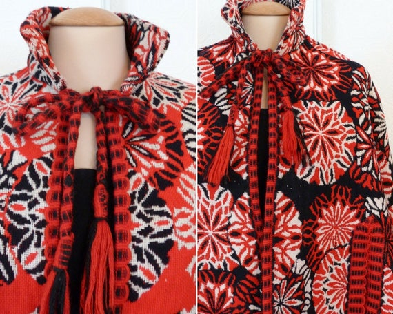 Red, blanc and white patterns reversible wool cape