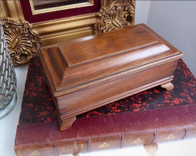 Salle antique wood box