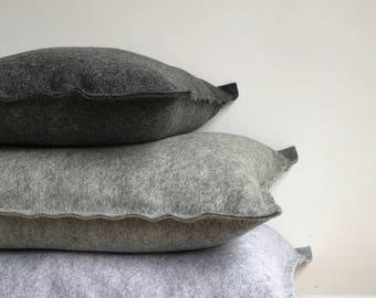 Wool basic pillow small, felt pillow small