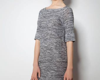 Knitted short-sleeved dress