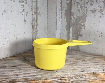 Vintage Tupperware replacements, Tupperware yellow  3/4 measuring cup replacement, Tupperware measuring cup, Tupperware decor,  vintage