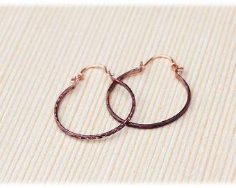 Copper hoop earrings: Dainty hoops small - Boho thin hoops - Minimalist hoops - Oxidized copper - Rustic hoop earrings - Hammered