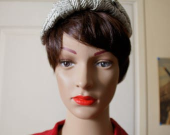 Hat or Fascinator 1940s white and gray. Vintage.