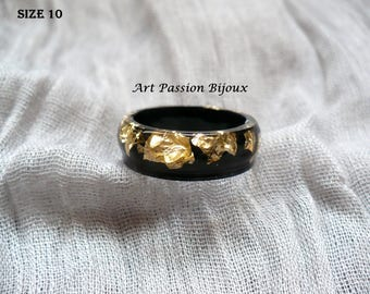 Black gold ring, golden flakes, metal leaf, resin ring, gold leaf effect, black gold jewelry, ecological resin, 15% off ship, made in Italy