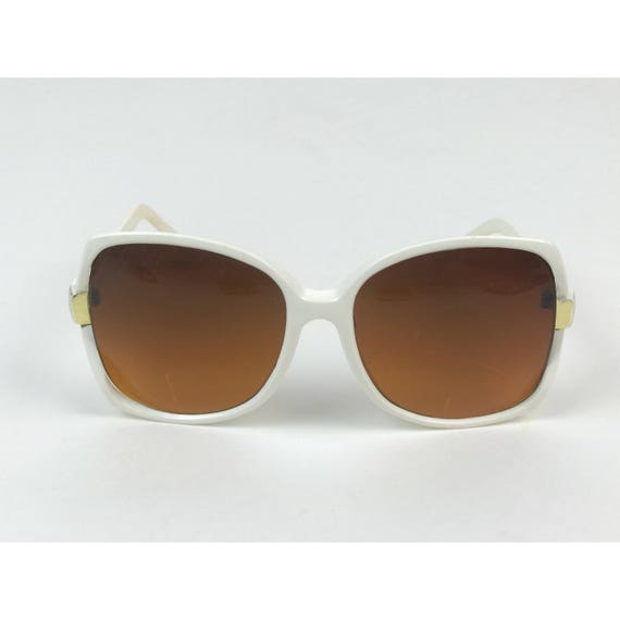 70's Oversized White RETRO Sunglasses - Vtg Summer Accessories Vintage Large Round Statement Sunnies - Tinted Lenses Plastic Frame Shades