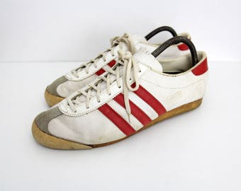 Vintage Men's 60s 70s Adidas VIENNA Sneakers // Authentic 70s Adidas Made in Austria Trainers // White and Red // Die Marke Mit Den 3 Riemen