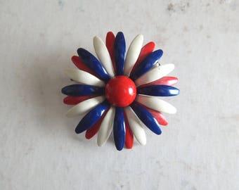 freedom flower   Vintage 60s Red White & Blue Patriotic Metal Enamel Daisy Flower Brooch Pin