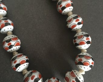 Vintage Painted Ceramic Geometric Beaded Necklace Art Deco White Red Black